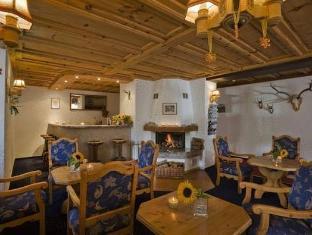 /riffelhaus-1853/hotel/zermatt-ch.html?asq=vrkGgIUsL%2bbahMd1T3QaFc8vtOD6pz9C2Mlrix6aGww%3d