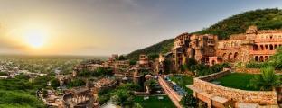 /neemrana-fort-palace/hotel/alwar-in.html?asq=jGXBHFvRg5Z51Emf%2fbXG4w%3d%3d