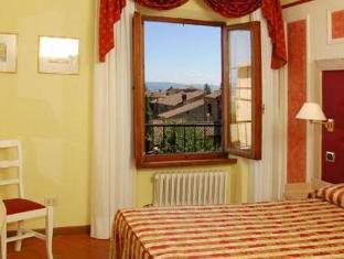 /leon-bianco/hotel/san-gimignano-it.html?asq=jGXBHFvRg5Z51Emf%2fbXG4w%3d%3d