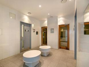 Artique Surfers Paradise Resort Gold Coast - Steam & Sauna Room