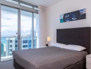 Artique Surfers Paradise Resort Gold Coast - Guest Room