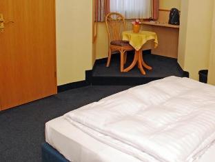 /city-partner-hotel-strauss/hotel/wurzburg-de.html?asq=jGXBHFvRg5Z51Emf%2fbXG4w%3d%3d