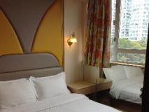 Victor Hotel: guest room
