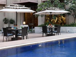 The Metropolitan Hotel & Spa New Delhi - Zwembad