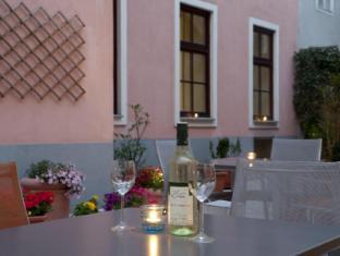 Hotel Lucia Vienna - Balcony/Terrace