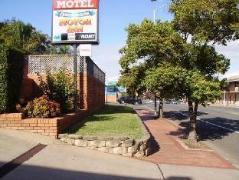 Centabrook Motor Inn   Australia Hotels Muswellbrook