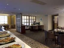 Metropark Hotel Kowloon: executive lounge