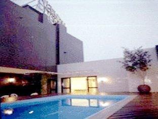 /novo-vernon-hotel/hotel/curitiba-br.html?asq=vrkGgIUsL%2bbahMd1T3QaFc8vtOD6pz9C2Mlrix6aGww%3d
