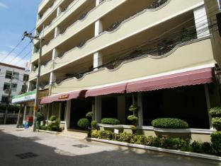 LK Royal Suite Hotel Pattaya - Standard room Building