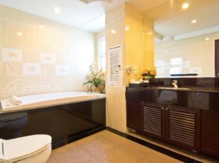 LK Royal Suite Hotel Pattaya - One Bedroom Suite Jacuzzi Bathroom