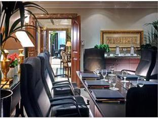 Sheraton Khalidiya Abu Dhabi Hotel Abu Dhabi - Meeting Room