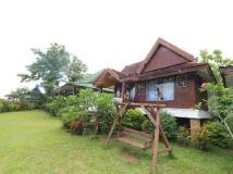 Thavonsouk Resort: exterior