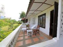 Thavonsouk Resort: balcony/terrace