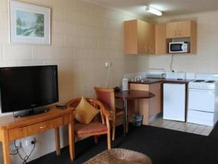 Luma Luma Holiday Apartments Darwin - Kitchen