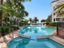 Sandcastles on the Broadwater: swimming pool