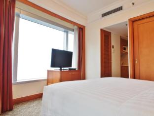 Harbour Plaza North Point Hotel Hong Kong - One Bedroom Suite - Bedroom
