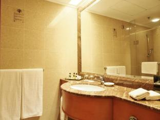 Harbour Plaza North Point Hotel Hong Kong - Bathroom