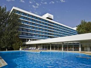 /es-es/hotel-annabella/hotel/balatonfured-hu.html?asq=vrkGgIUsL%2bbahMd1T3QaFc8vtOD6pz9C2Mlrix6aGww%3d