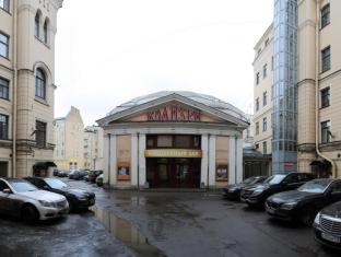 /nevsky-mayak-on-nevsky-100/hotel/saint-petersburg-ru.html?asq=GzqUV4wLlkPaKVYTY1gfioBsBV8HF1ua40ZAYPUqHSahVDg1xN4Pdq5am4v%2fkwxg