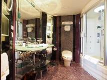 Lisboa Hotel: bathroom