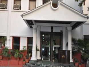 Hotel Empire Regency