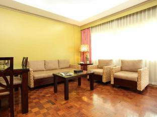 Waterfront Insular Hotel Davao Davao City - סוויטה