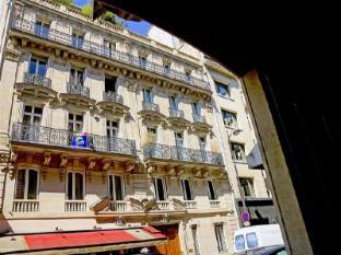 Apartment Rue de Berri II Paris