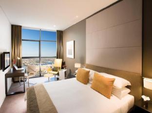 Fraser Suites Sydney Sydney - One Bedroom Deluxe Suite Bedroom
