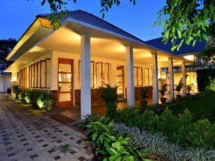 /hotel-blambangan/hotel/banyuwangi-id.html?asq=jGXBHFvRg5Z51Emf%2fbXG4w%3d%3d