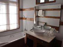 Royal Nadi Resort: bathroom