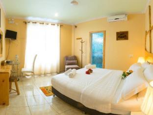 Hanifaru Stay Hotel