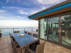 Top Deck Holiday Home | Australia Budget Hotels