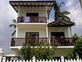 /ceylon-surf-guest-holiday-resort/hotel/mirissa-lk.html?asq=5VS4rPxIcpCoBEKGzfKvtBRhyPmehrph%2bgkt1T159fjNrXDlbKdjXCz25qsfVmYT
