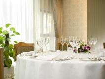 Hong Kong Hotels Booking Cheap   food and beverages