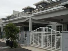 DMelaka Muslim Vacation Home | Malaysia Budget Hotels
