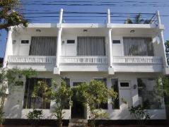 White Surfing Beach Resort | Sri Lanka Budget Hotels