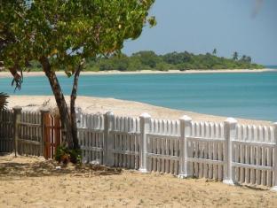 /fi-fi/pearl-oceanic-resort-trincomalee/hotel/trincomalee-lk.html?asq=vrkGgIUsL%2bbahMd1T3QaFc8vtOD6pz9C2Mlrix6aGww%3d