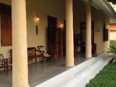 Green Wood Garden Hotel | Sri Lanka Budget Hotels