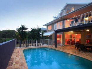 Oceanic 141 Beach House