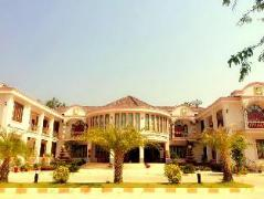Hotel in Thakhek | Phedsamone Chaleunexay Hotel