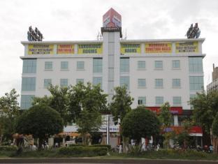 Hotel Swagath Grand Suchitra