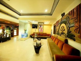/fr-fr/hotel-sitara-grand-kukatpally/hotel/hyderabad-in.html?asq=vrkGgIUsL%2bbahMd1T3QaFc8vtOD6pz9C2Mlrix6aGww%3d