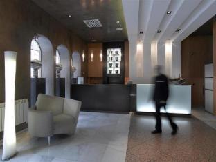 /macia-condor-hotel/hotel/granada-es.html?asq=vrkGgIUsL%2bbahMd1T3QaFc8vtOD6pz9C2Mlrix6aGww%3d