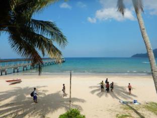 /santai-bistro-restaurant-and-chalet/hotel/tioman-island-my.html?asq=jGXBHFvRg5Z51Emf%2fbXG4w%3d%3d