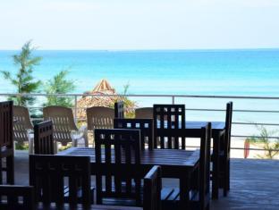 /fi-fi/trinco-beach-hotel/hotel/trincomalee-lk.html?asq=vrkGgIUsL%2bbahMd1T3QaFc8vtOD6pz9C2Mlrix6aGww%3d
