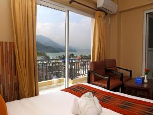 /tr-tr/pokhara-choice-inn/hotel/pokhara-np.html?asq=yNgQPA3bPHj0vDceHCVqknbvCD7oS49%2fRVne3hCPhvhI8t2eRSYbBAD43KHE%2bQbPzy%2b04PqnP0LYyWuLHpobDA%3d%3d