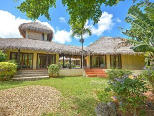 Hayahay Villa in Diniwid