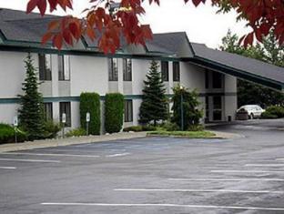 /riverbend-inn-post-falls/hotel/post-falls-id-us.html?asq=jGXBHFvRg5Z51Emf%2fbXG4w%3d%3d