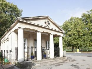 Prince of Wales West Lodge