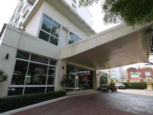 The Royal Bee Aparthotel Don Mueang International Airport